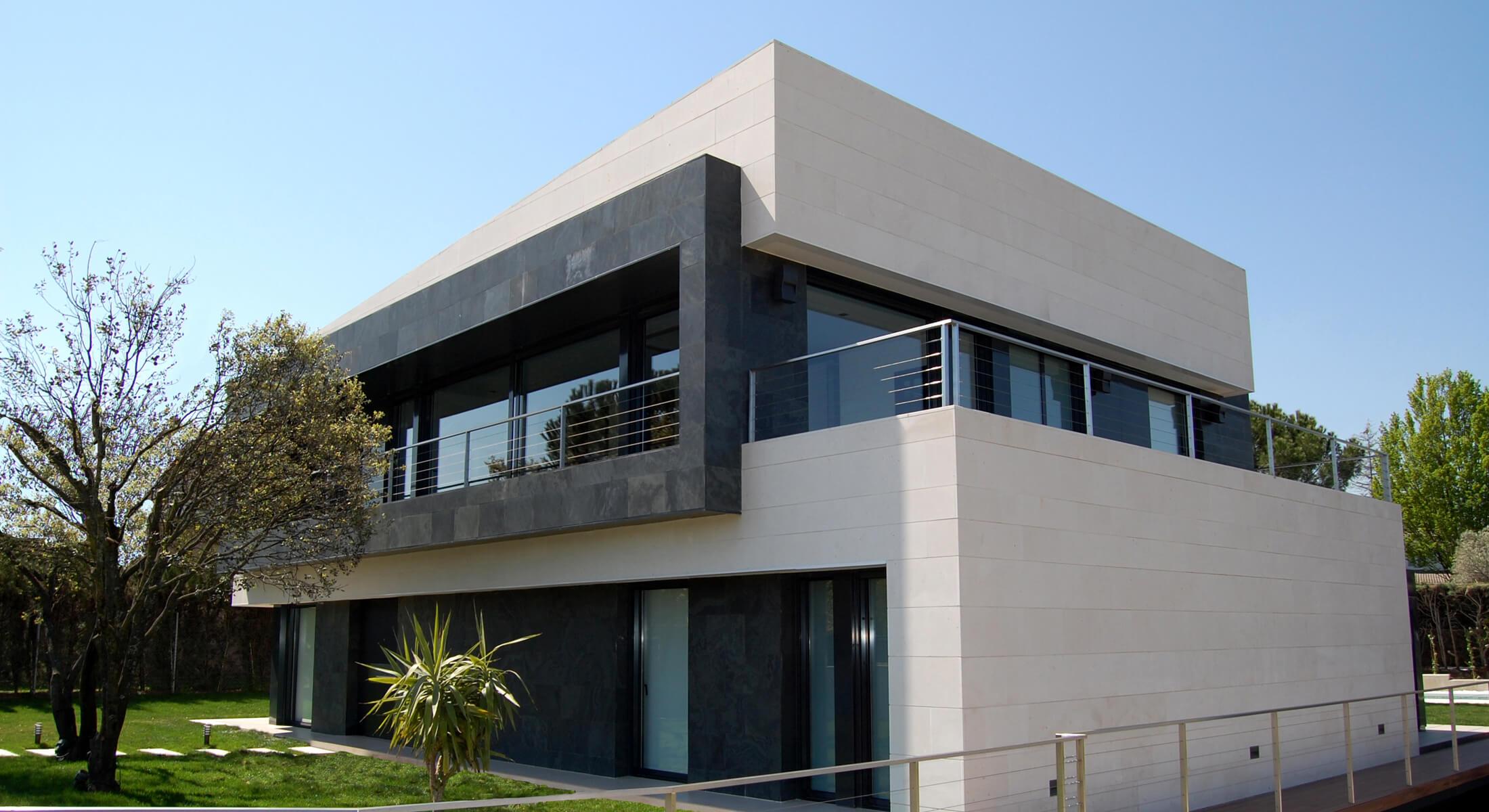 Monteclaro house designed by Marta González Architects