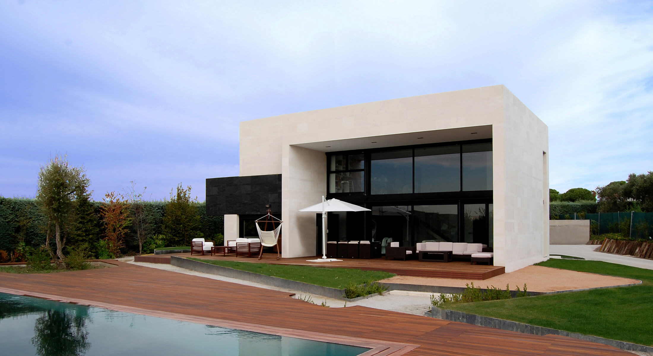 Boadilla house designed by Marta González Architects